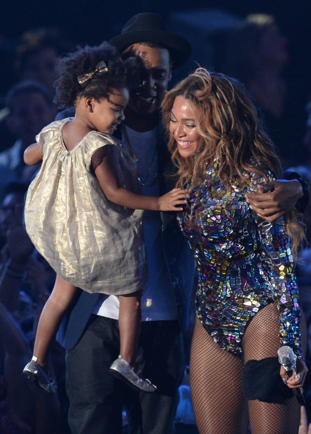 Beyoncé e Jay Z com Blue Ivy (Foto: Agência AFP)