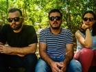 Banda 'Os Últimos' distribui mudas durante show em Ji-Paraná, RO
