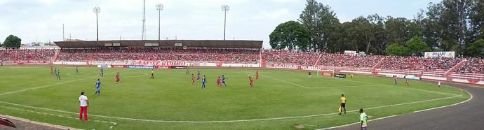 Estádio Alfredo de Castilho, Bauru, Noroeste x Fernandópolis, Segunda Divisão (Foto: Sérgio Pais)