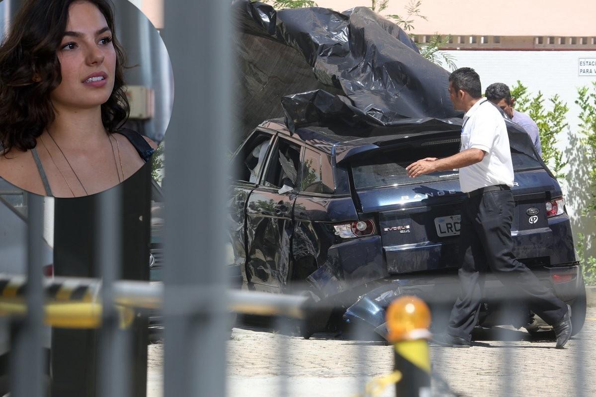 O carro de Isis Valverde após o acidente (Foto: AG News)