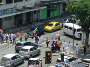 Manifestação HU UFJF Juiz de Fora (Foto: Luiz Felipe Falcão/G1)