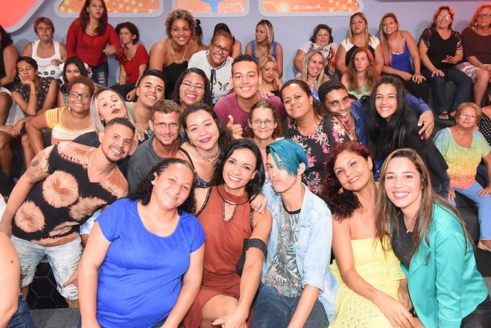 Marinalva com a plateia na noite de sua eliminação  (Foto: TV Globo)