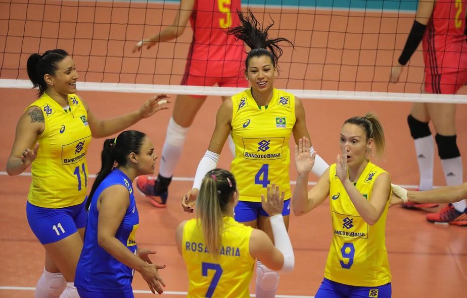 Brasil vence a campeã olímpica China e pega a Alemanha na final de Montreux