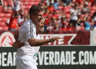 Palermo e D'Alessandro comemoram gol no Lance de Craque (Foto: Eduardo Moura)