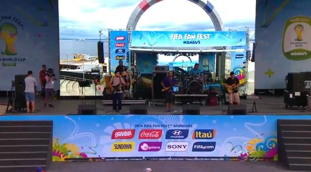 Bandas locais animaram o Fifa Fan Fest, nesta quinta (26), em Manaus (Foto: Bom Dia Amazônia)