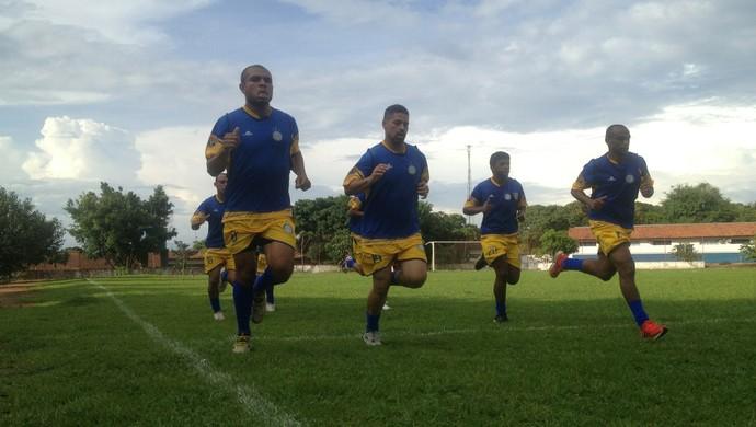 Amarildo (à esquerda) é um dos atletas que esteve no elenco em 2014 (Foto: Vilma Nascimento/GloboEsporte.com)