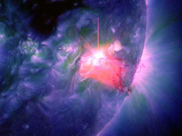 Explosão solar de 1 de janeiro foi reistrada pela Nasa (Foto: NASA/SDO)