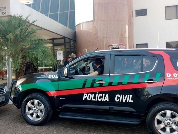 Polícia Civil cumpre mandado de buscas no hospital Home, na Asa Sul, na manhã desta quinta-feira (1º) (Foto: Elielton Lopes/G1)