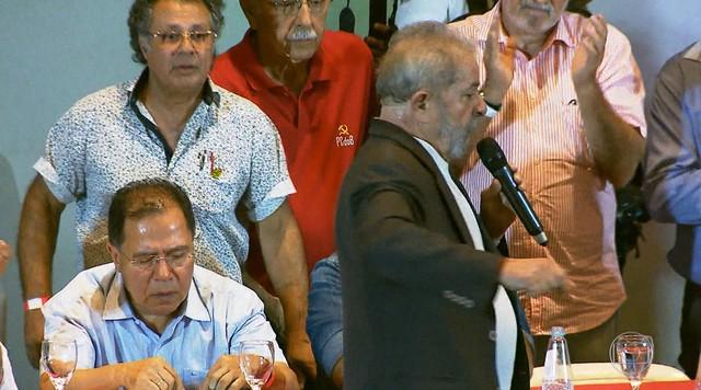 Lula fala sobre impeachment e Lava Jato em encontro com sindicalistas