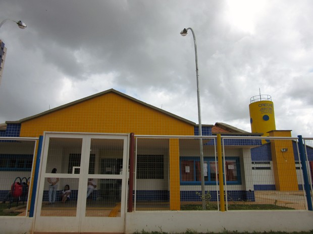 Única crechepública construída na parte verticalizada de Águas Claras começou a funcionar em 27 de março deste ano (Foto: Luciana Amaral/G1)