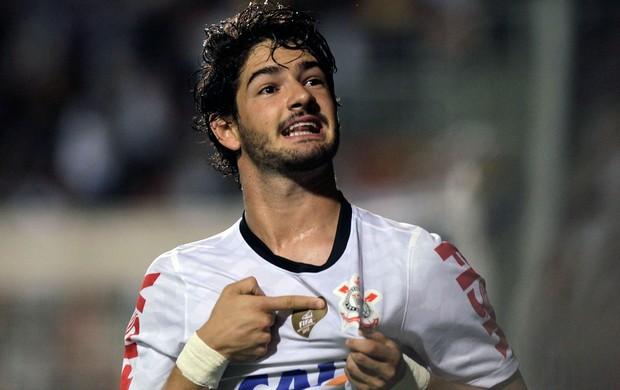 Pato gol Corinthians x Tijuana (Foto: Reuters)