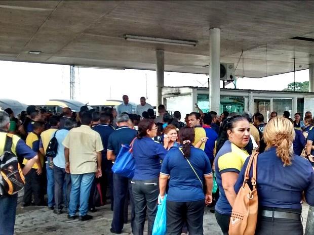 Paralisação afeta transporte na Zona Leste de Manaus (Foto: Suelen Gonçalves/G1 AM)