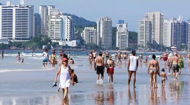 Praia de Pitangueiras, Guarujá (Foto: Reprodução/TV Tribuna)