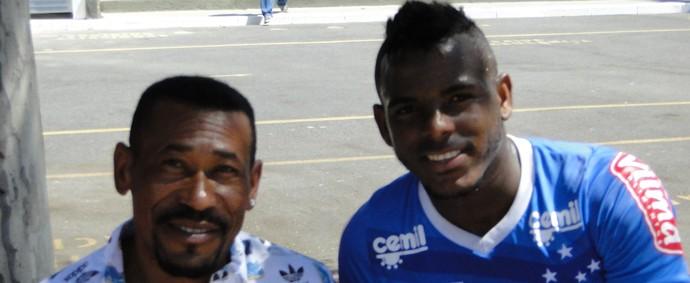 Marcos Vinícius e o pai Antônio Britto (Foto: Marco Astoni)