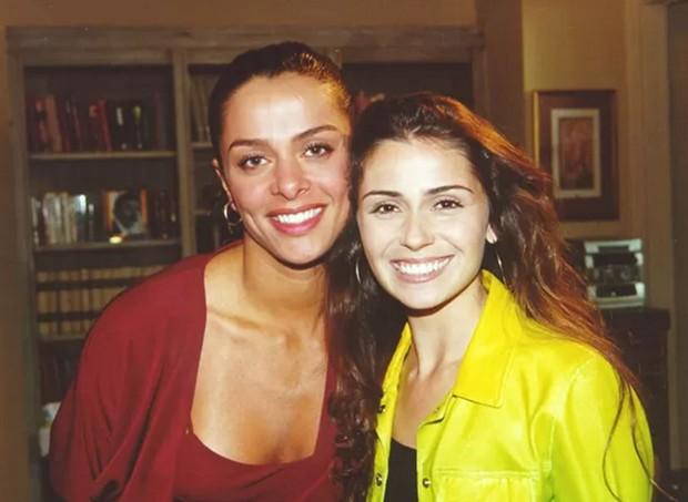 Vanessa Machado com Giovanna Antonelli na novela Laços de Família (Foto: Acervo Globo)