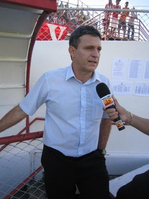 Wellington Fajardo, ex-técnico do Villa Nova (Foto: Site oficial do Villa Nova)