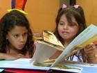 Biblioteca móvel visita crianças de Vargem Grande do Sul, SP, nas férias