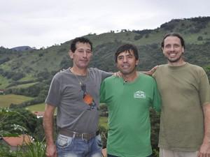 Membros da APA Santuário Ecológico da Pedra Branca, em Caldas (MG) (Foto: Lúcia Ribeiro/G1)