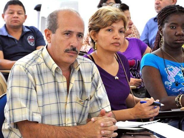 Juan Miguel Guerra e a esposa, Yanelis López Varela, ambos médicos cubanos, vão trabalhar em  Buriti (Foto: Luciano Ribeiro/ATN)