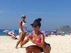 De biquíni, Aline Riscado se exercita sob o sol: 'Morrendo aqui, socorro'