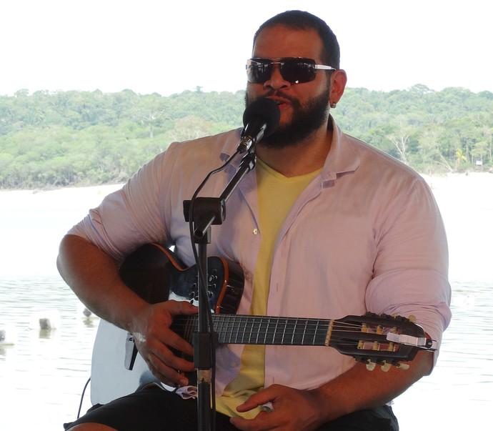 Jorjão Pampolha é um dos vocalistas do Ases do Pagode (Foto: Onofre Martins/ Rede Amazônica)