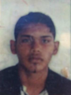 Mateus Silva de Andrade, de 18 anos, morreu após ser atingido a tiros (Foto: Arquivo da família)