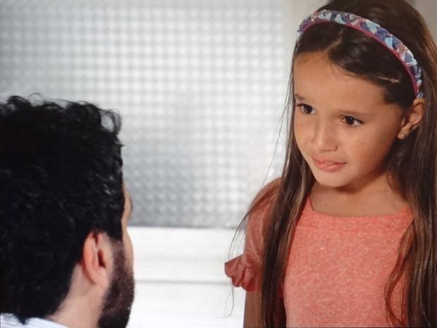 Celso diz a filha que mãe não pode entrar mais em casa (Foto: Salve Jorge / TV Globo)