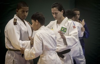 Judocas das Paralimpíadas Escolares têm clínica com medalhista paralímpica