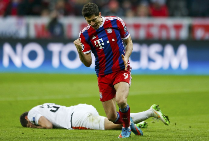 Lewandowski Bayern de Munique x Shakhtar (Foto: Reuters)
