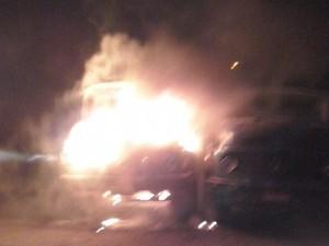 Incêndio em Laguna iniciou em uma das caçambas  (Foto: Bombeiros de Laguna/Divulgação)