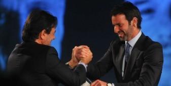 Eduardo Sirotsky Melzer recebe crachá de Maurício Sirotsky Sobrinho, de Nelson Sirotsky (Foto: Franco Rodrigues)