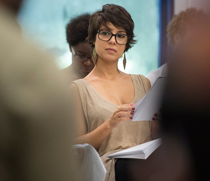 Andreia Horta durante a leitura dos primeiros capítulos de 'Liberdade, Liberdade' (Foto: João Cotta/Globo)