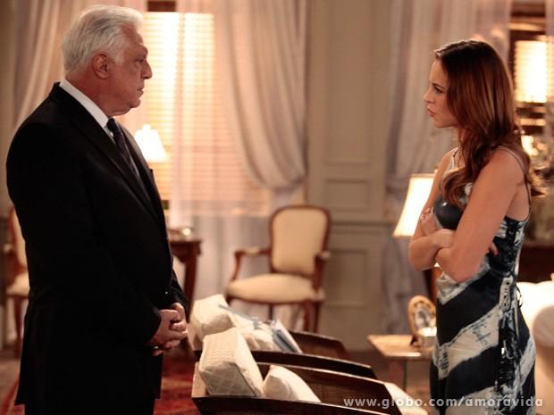 Paloma quer saber porque sua mãe a abandonou (Foto: Amor à Vida / TV Globo)