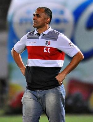 Oliveira Canindé na partida do Santa Cruz contra o Bragantino  (Foto: Aldo Carneiro (GloboEsporte.com/Pernambuco Press))
