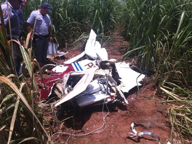 Três pessoas estavam no avião, entre elas, um vereador de Suzano (Foto: André Bordim / TV TEM)