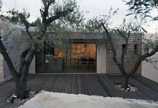 Reforma triplica casa de pedra na it lia casa vogue arquitetura - Casa base milano ...