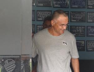 Técnico Oliveira Canindé se despede do CSA (Foto: Caio Lorena / GloboEsporte.com)