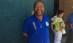 Compositor Martinho da Vila diz que prefere fazer enredo a samba