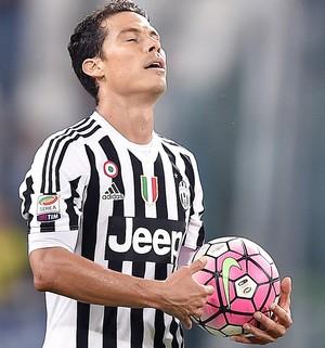 Hernanes Juventus x Chievo (Foto: EFE)
