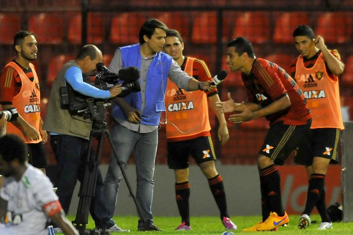 diego souza sport x figueirense (Foto: Aldo Carneiro / Pernambuco Press)