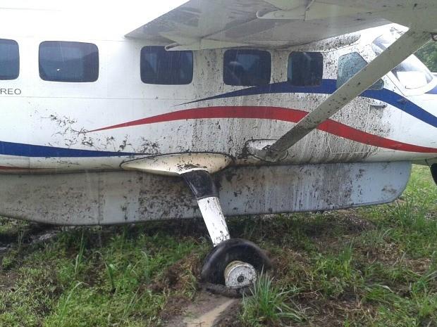 [Brasil] Pneu estoura e aeronave sai da pista ao aterrissar em aeroporto no AM Aviao2
