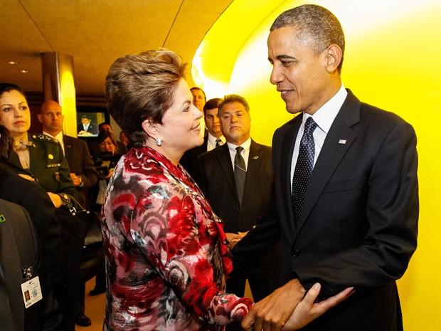 Dilma recebe cumprimentos de Obama após discurso na Assembleia Geral da ONU (Foto: Roberto Stuckert Filho / Presidência)