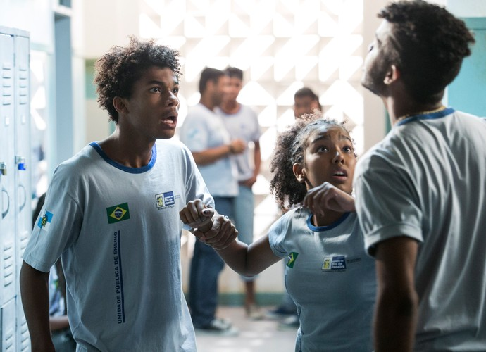 Wesley parte para cima de rival (Foto: Raphael Dias / Gshow)