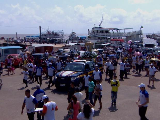 Barco era uma das mais de 50 embarcações que acompanhava o Círio Fluvial de Macapá (Foto: Reprodução/TV Amapá)