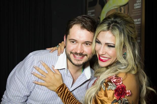 Verônica Araújo e DJ Ricardo Galback (Foto: Marcelo Brammer / Divulgação)