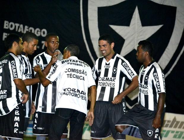 Dalbaci Soares orienta o Botafogo Futebol de 7 (Foto: Davi Pereira/Jornal F7)