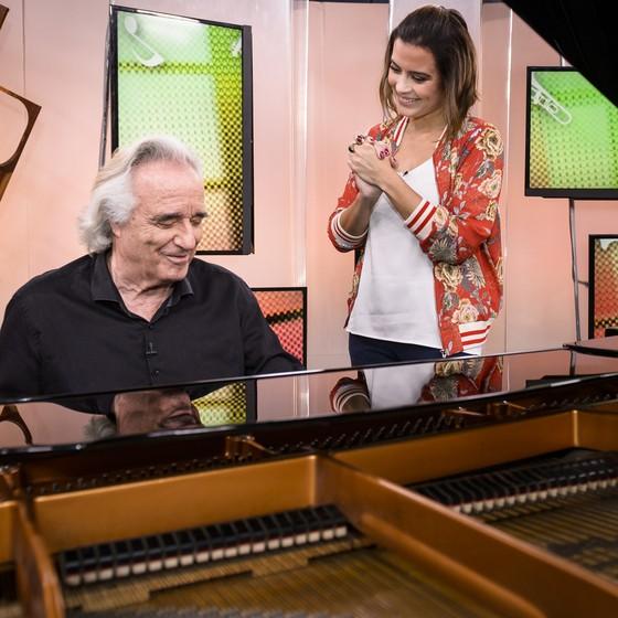 João Carlos Martins foi entrevistado por Michelle Loreto no 'Como será?', que vai ao ar neste sábado (15) (Foto: Divulgação)