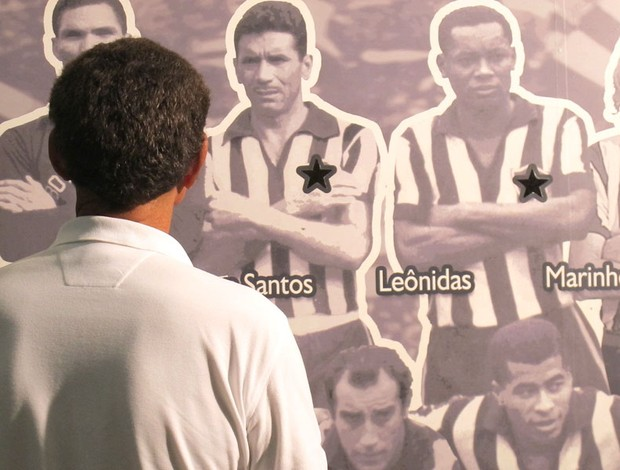 Manga visita à sede do Botafogo (Foto: Alexandre Alliatti)