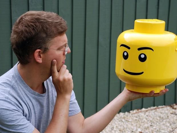 Estudo sugere que cada vez mais há mais armas nos produtos Lego e que estão mais inspirados em guerras. (Foto: AFP)