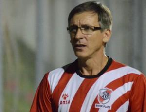 Luiz Carlos Cruz desabafa após vitória sobre o São Domingos: 'nosso time é bom' (Foto: João Áquila/GLOBOESPORTE.COM)